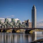 Hotels near vauxhall bridge in london